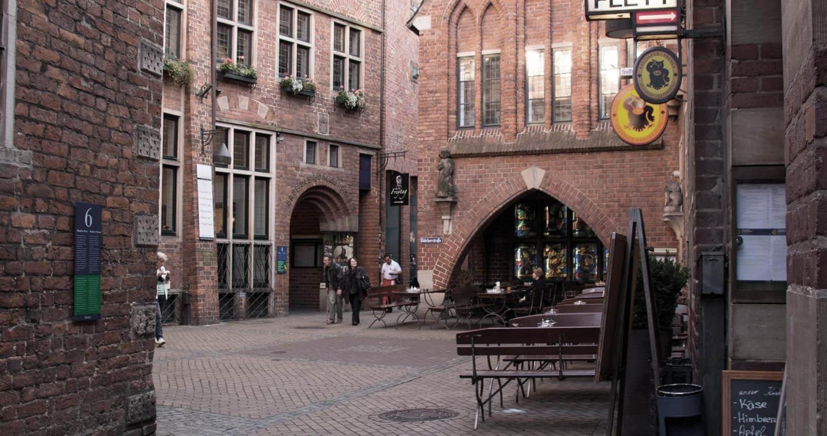 Blick in die Böttcherstraße mit Ständiger Vertretung (Lokal)